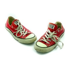 Women Classic Chuck Taylor Converse Red size 9